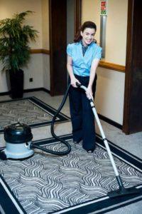 Nettoyage des sols des couloirs